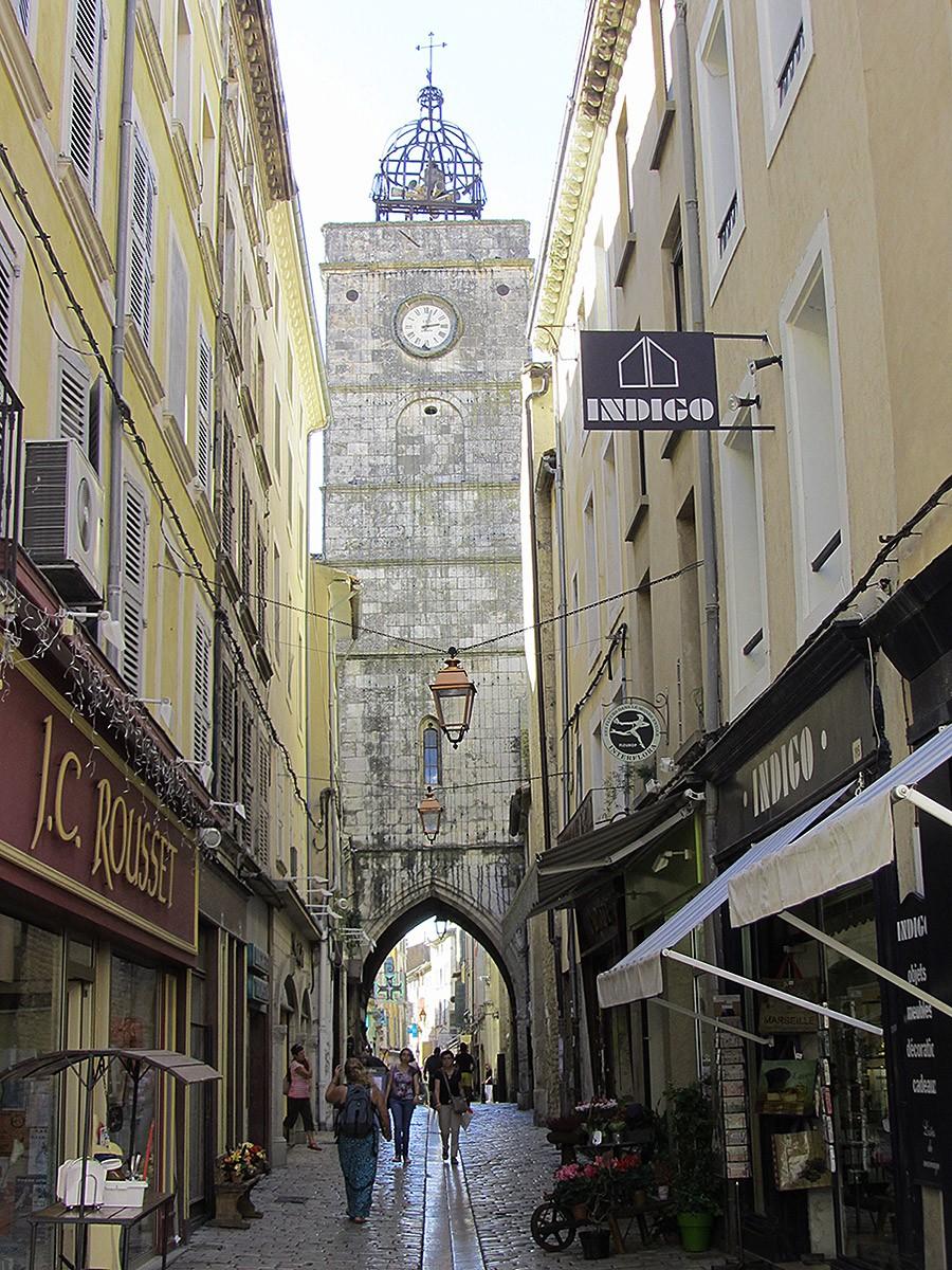 Tour de l'Horloge on the Rue des Marchands, Apt, France