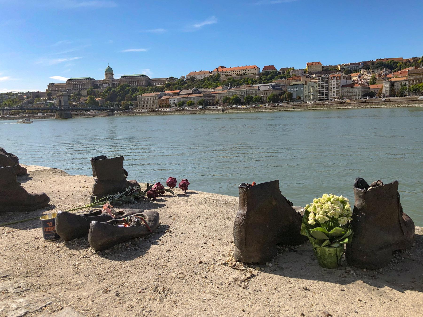 Cipők a Duna-parton, Budapest, Hungary