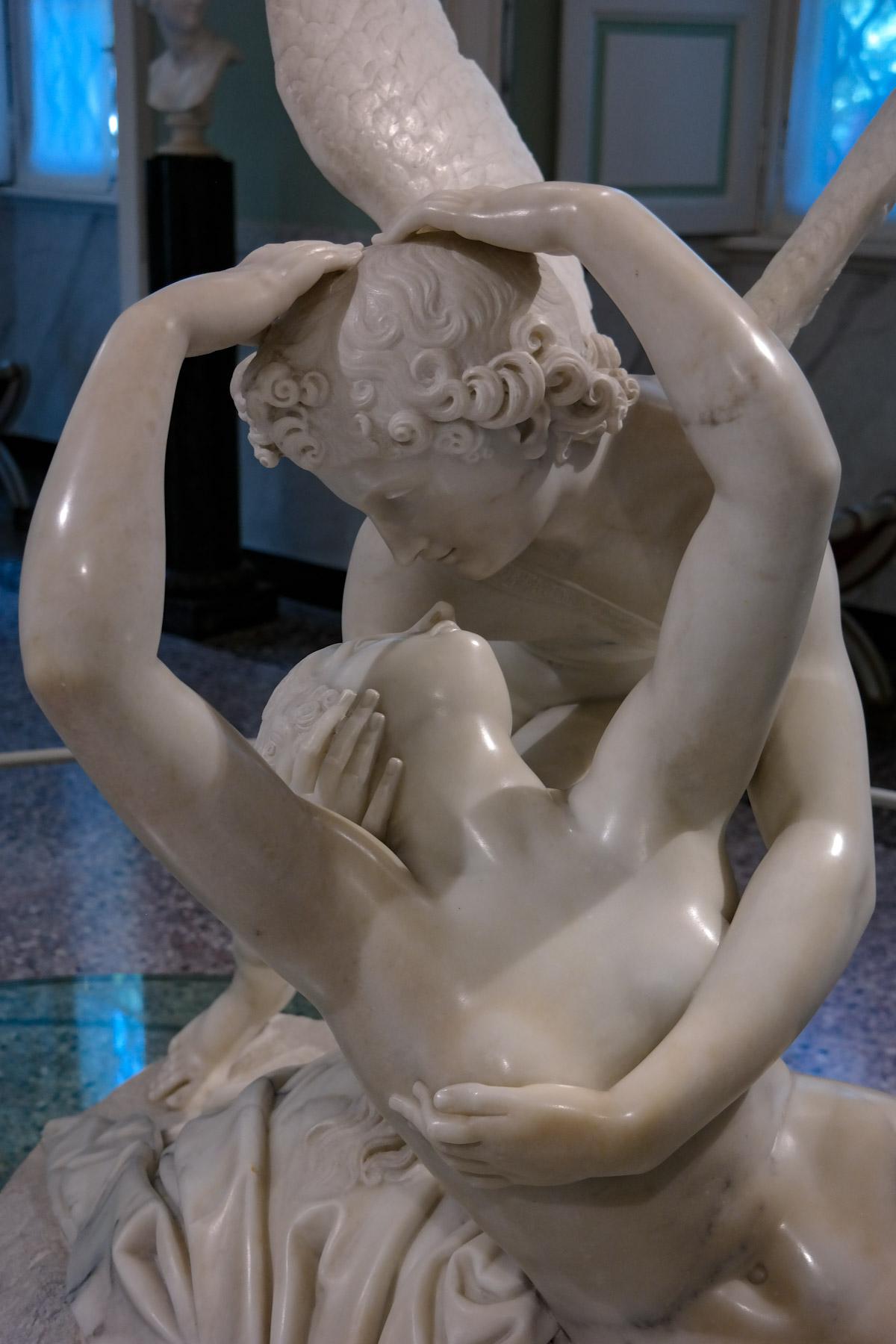 Adamo Tadolini's Cupid and Psyche, Villa Carlotta in Tremezzina, Italy